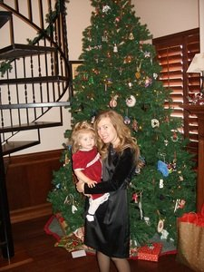Hilarie with Little Sister Christmas 2009